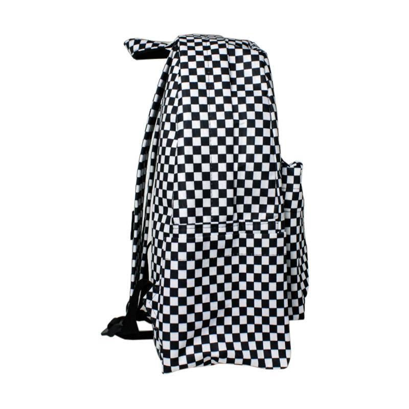 Mochila convexo estampada black white checker 1