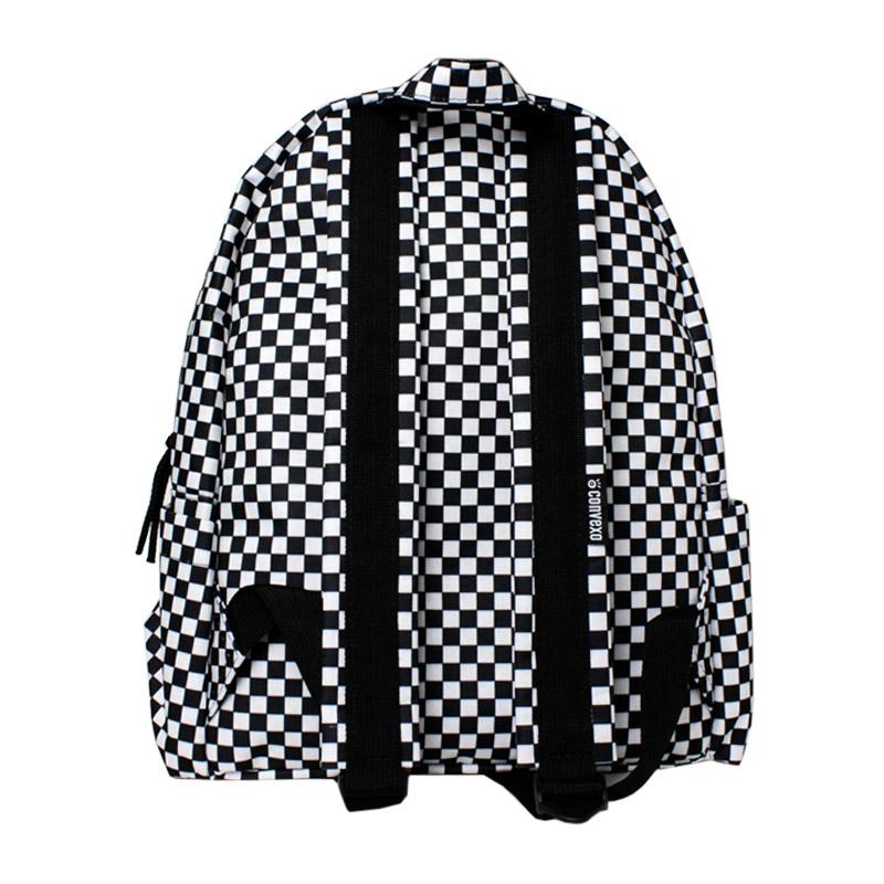 Mochila convexo estampada black white checker 2