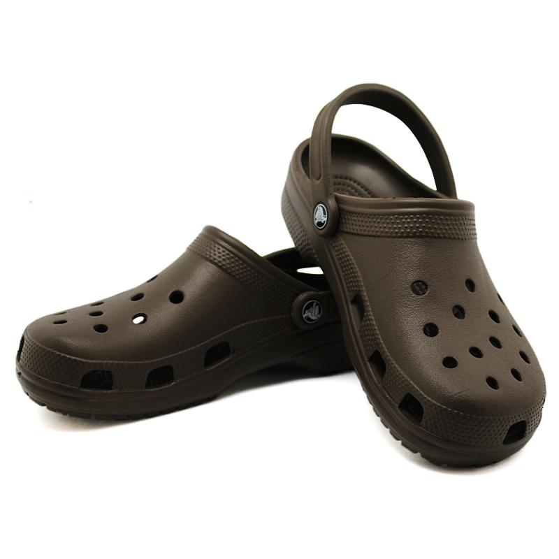 Crocs classic chocolate 1