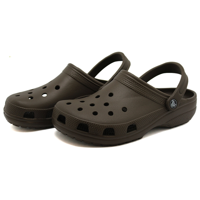 Crocs classic chocolate 3
