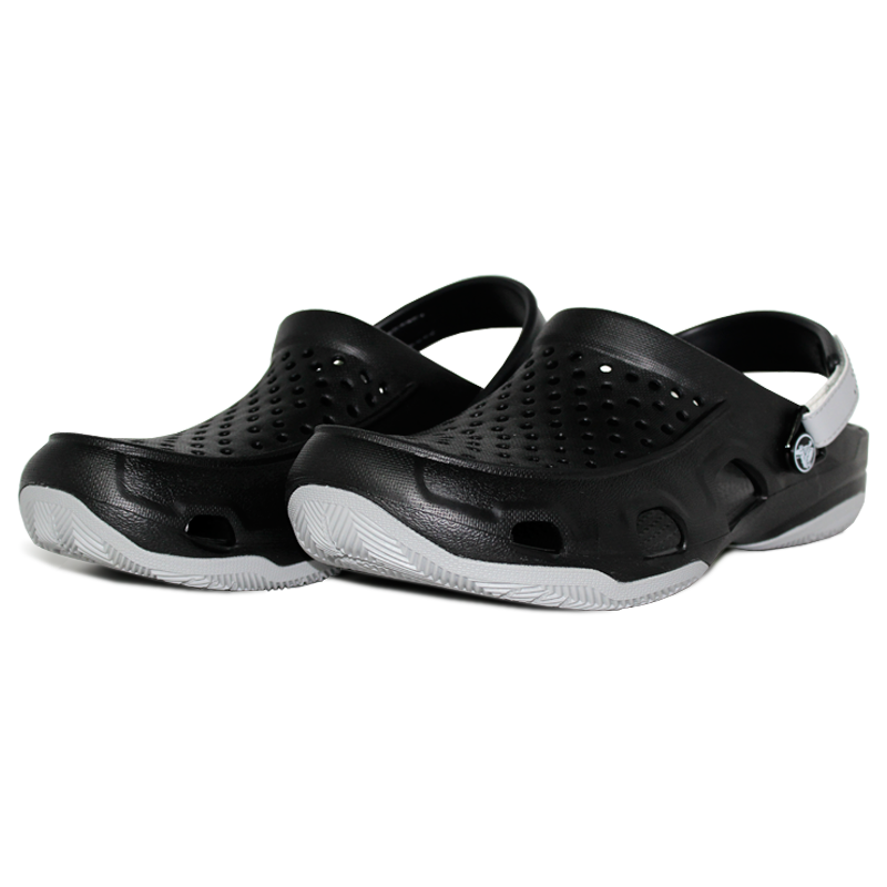 Crocs swiftwater deck clog black light grey 1