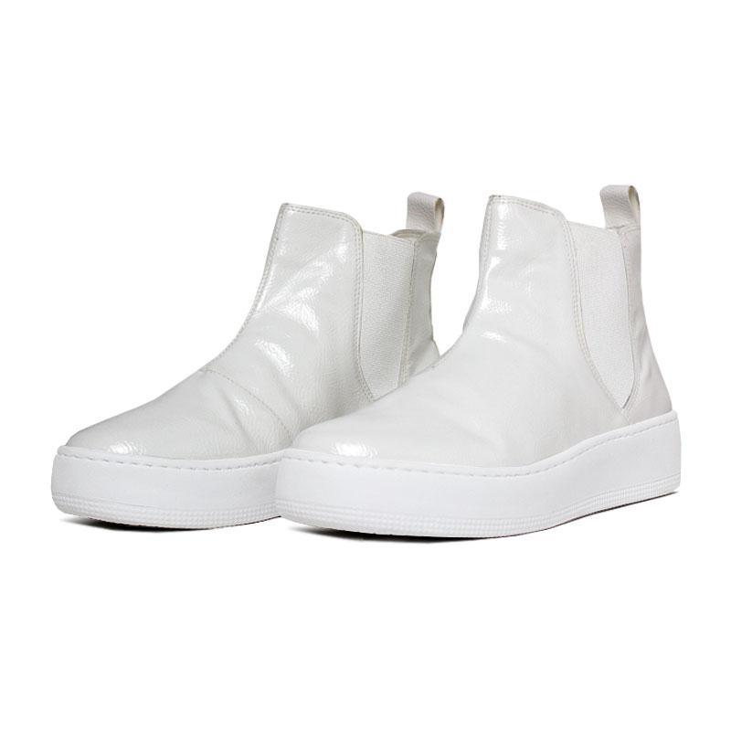 Convexo boot verniz branco 1