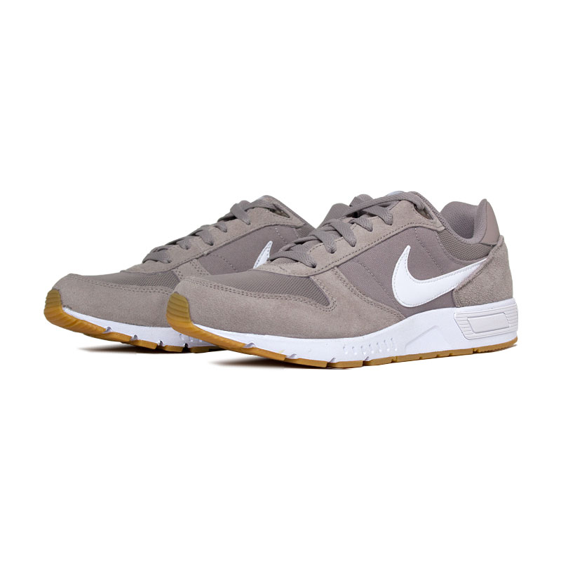 Nike nightgazer white gum light brown 2