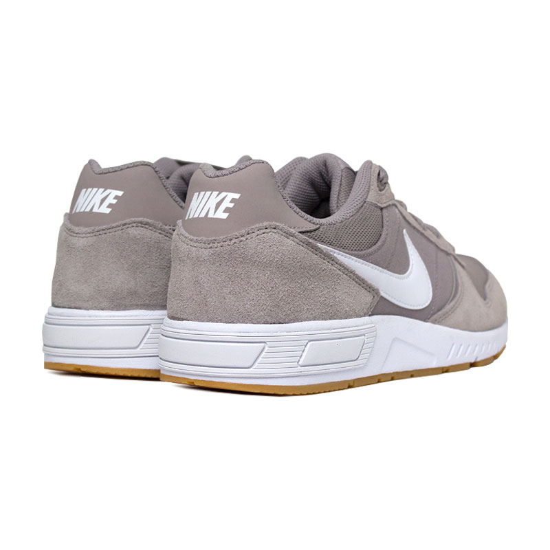 Nike nightgazer white gum light brown 3