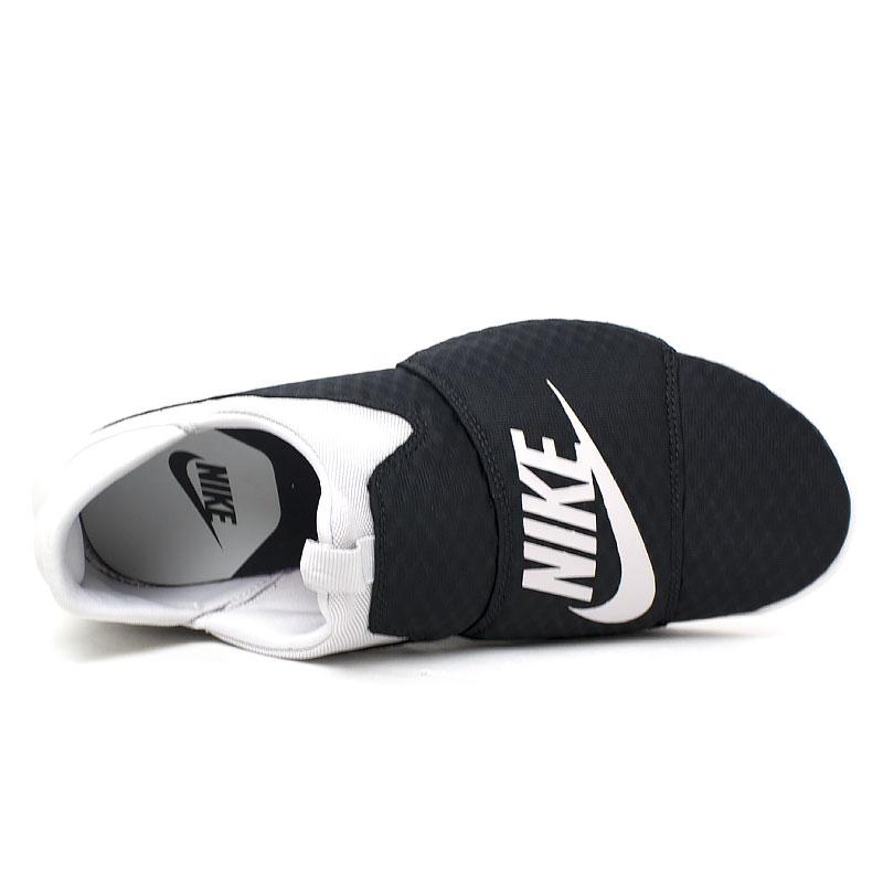 Nike benassi slip on black white 4