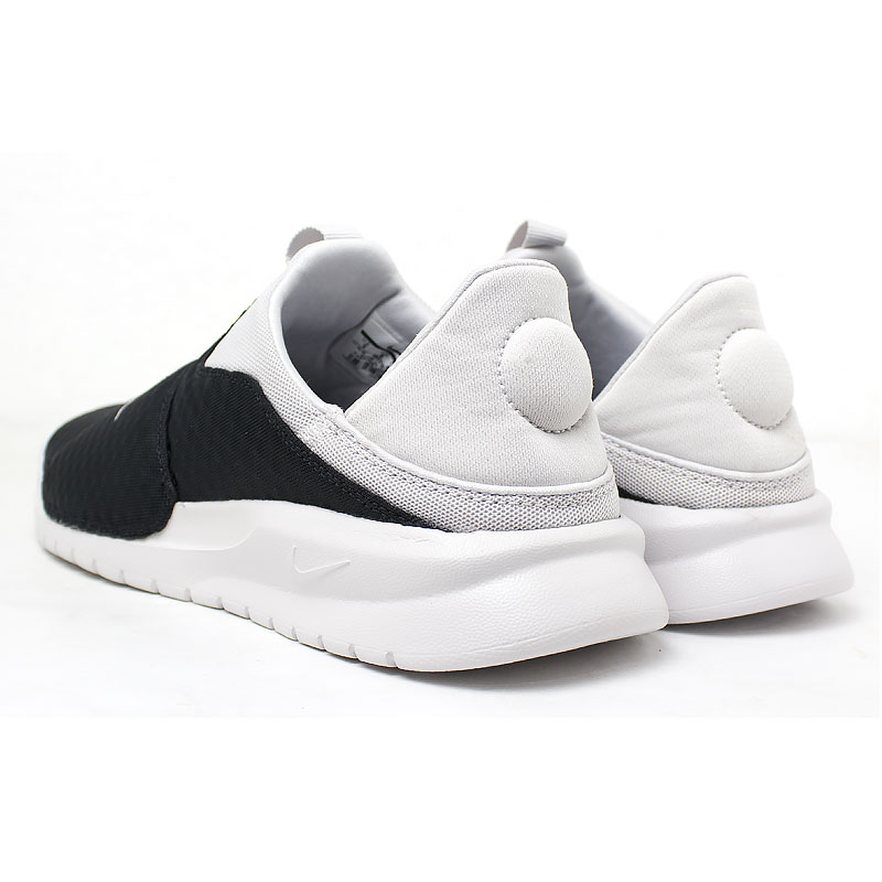 Nike benassi slip on black white 5