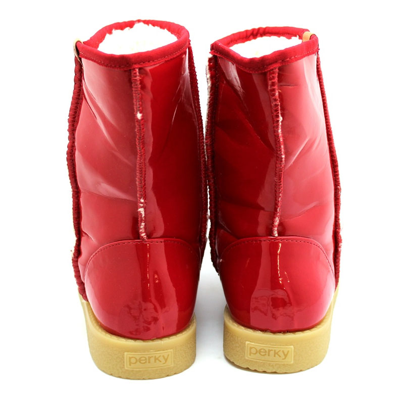Perky confy red shine 3